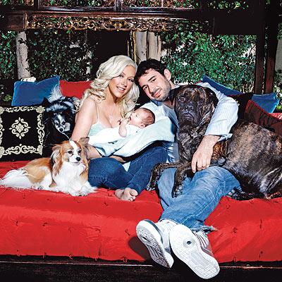 Christina Aguilera visar uppfamiljen