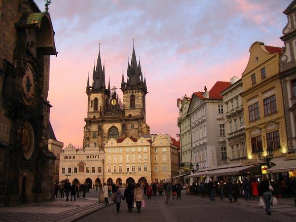 Lågprisflyg till Prag, Rom, Nice och Alicante