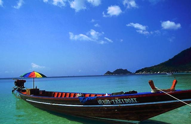 Man kan t ex båtluffa med longtails i Thailand.