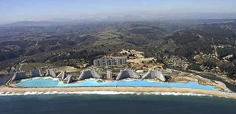 Vill du ta några längder i världens största pool?