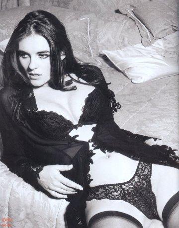 Elizabeth Liz Hurley i sexiga underkläder