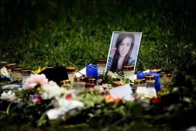 Spontan minnesplats för den mördade Therese Johansson Rojo