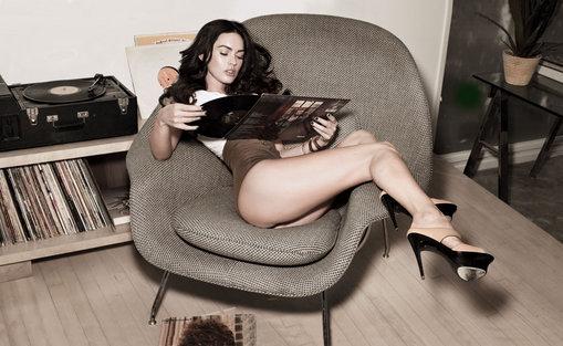 Mysig hemmakväll med Megan Fox?
