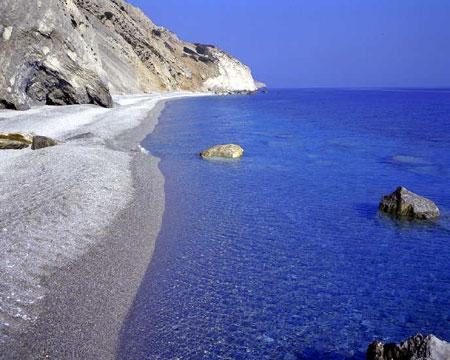 Stranden i Chiliadou i Grekland
