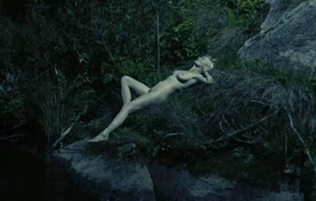 Kirsten Dunst helt naken
